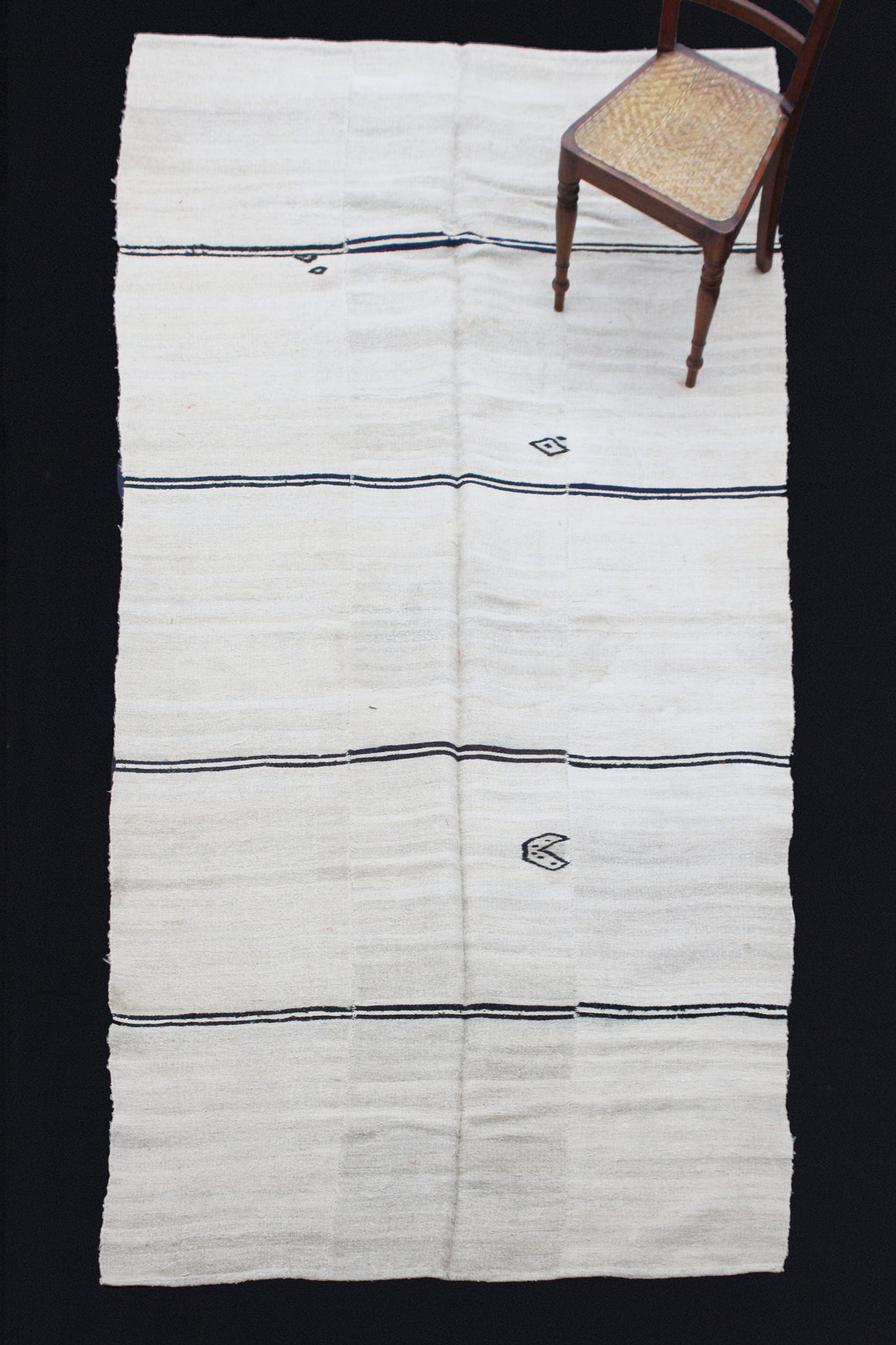 Natural Color Hemp Carpet With Double Black Stripes (5' 6'' x 12')