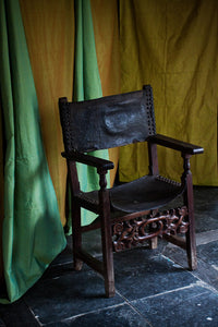 Late 17th - Early 18th Century Spanish Hall Chair