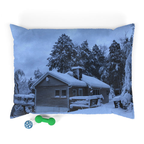 Pocono Winter Home Pet Bed