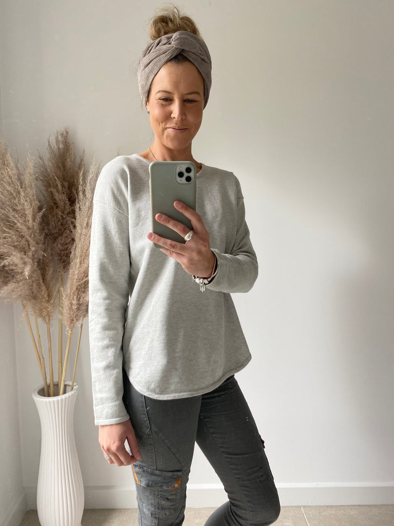 Scoop Hem Knit Soft Grey