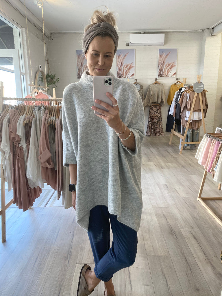 Lucy Oversized Jumper Grey