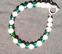 Green and freshwater pearl beaded bracelet