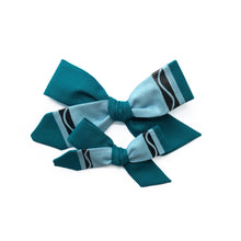 Load image into Gallery viewer, Crayon Bow || Aquamarine