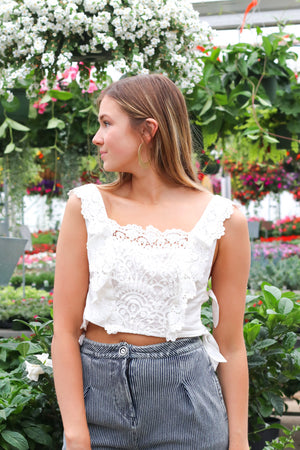 Beauty News Lace Crochet Crop Top
