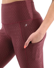Load image into Gallery viewer, SALE! 50% OFF! Verona Activewear Capri Leggings - Maroon [MADE IN ITALY] - Size Small