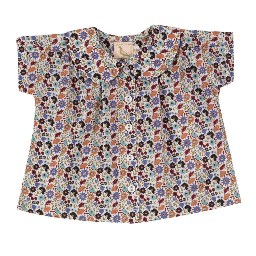 Pigeon Peter Pan Collar Blouse