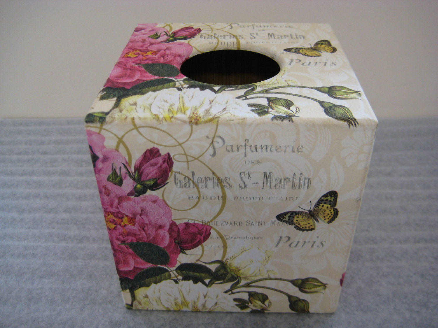 Paris Rose Tissue Box Cover - Handmade