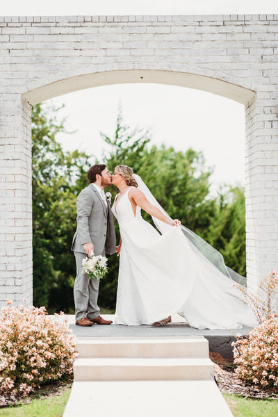 A Modern Barn Wedding at The Grand Ivory