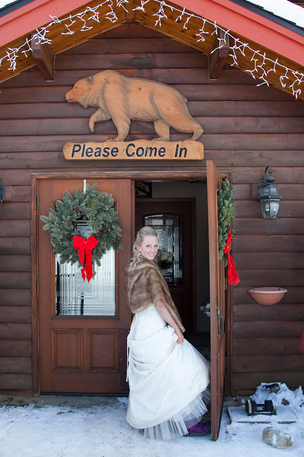A Winter Wonderland Wedding in the Mountains |  | Tana Photography | IDoWED McCall | @kateaspen