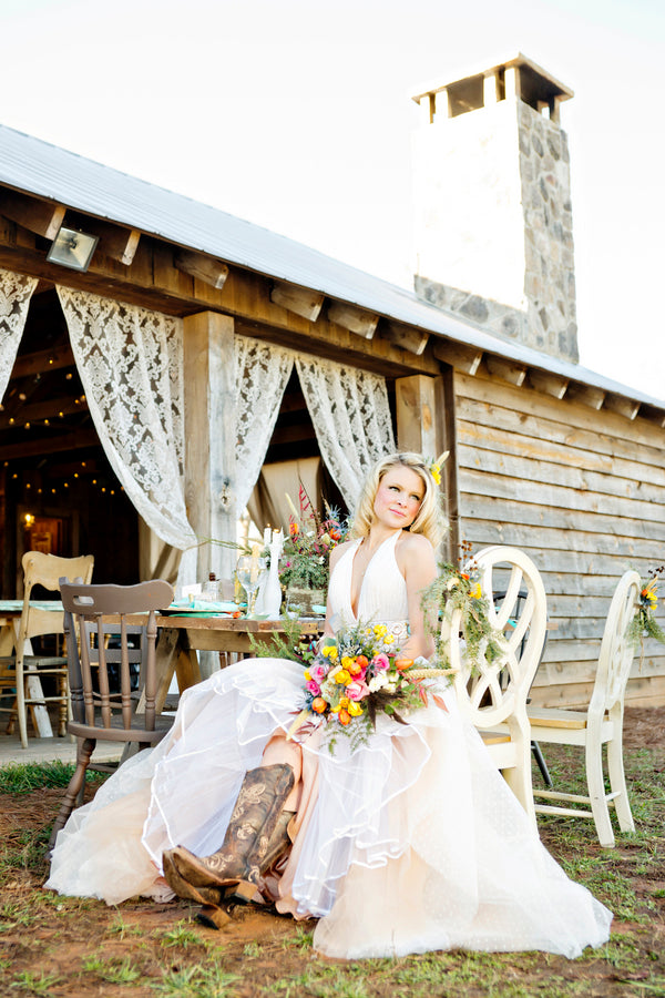 Bohemian bride in cowboy boots | Andie Freeman Photography