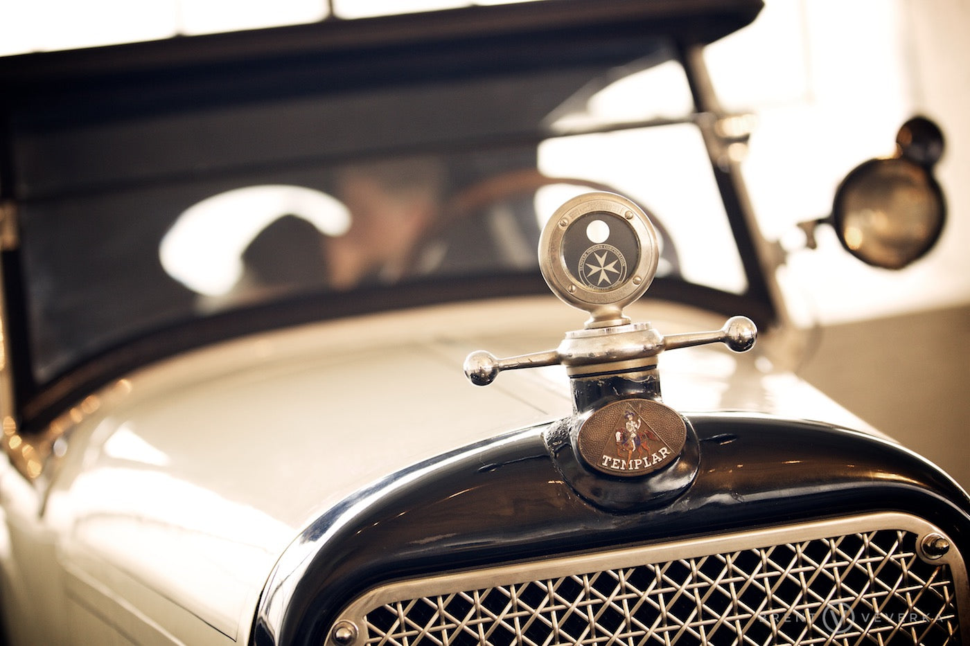 Antique Car | Glam Speakeasy Wedding | Brent Veverka Media