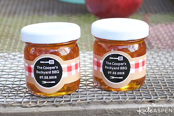 Customized honey jar favors