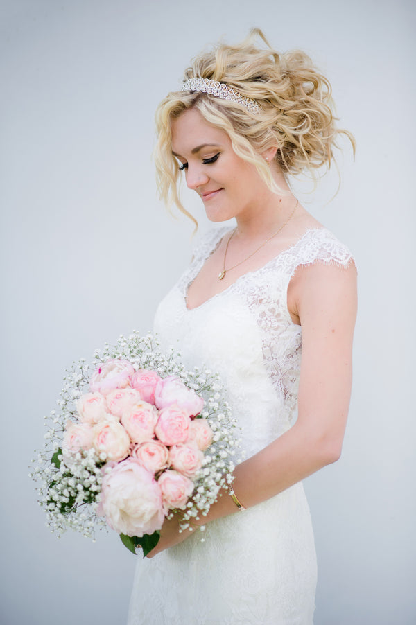Beautiful Bride With Pink Bouquet | Spring Rustic Barn Wedding | Time Into Pixels Photography