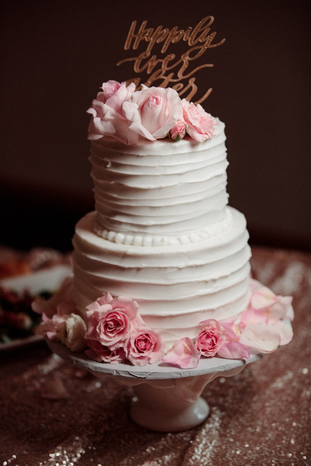 Wedding Cake | A Gorgeous Grand Wedding in Ohio | Kate Aspen