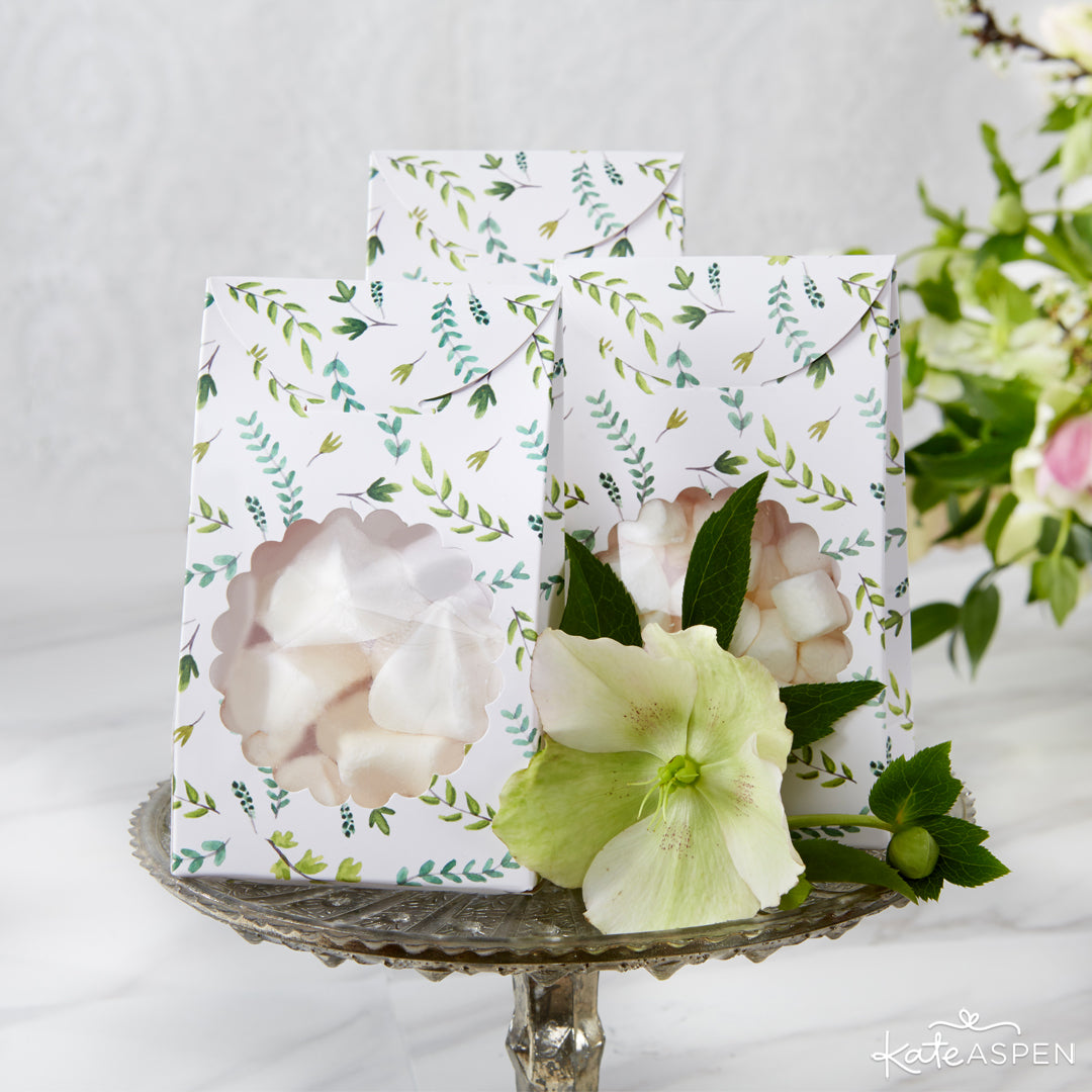 Botanical Favor Boxes | 6 Budding Additions to Your Botanical Wedding | Kate Aspen