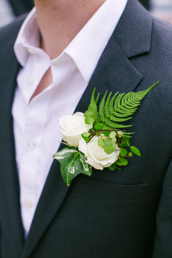 Boutineer | A Green and White Garden Wedding | Jeannine Marie Photography