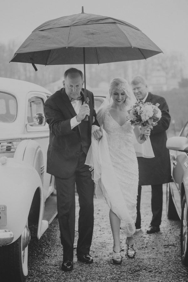 Bride Escorted by her Father | 1920s Inspired Wedding | Priscilla Thomas Photography