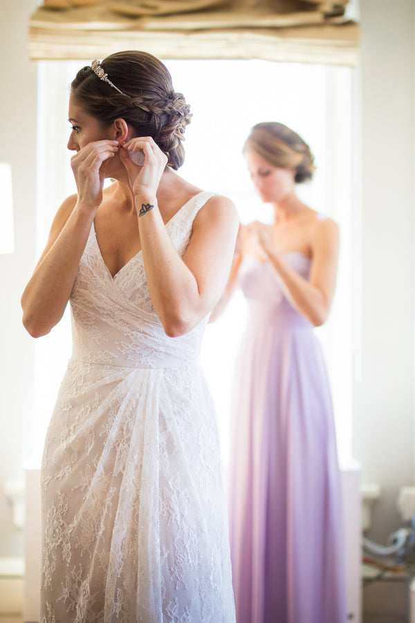 Bride Getting Ready | Purple Industrial Themed Wedding | Asteria Photography