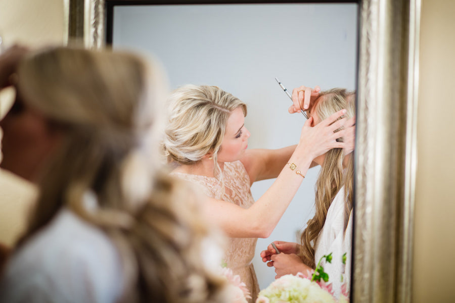 Bride Getting Ready | Blush and Gold Wedding | Asteria Photography