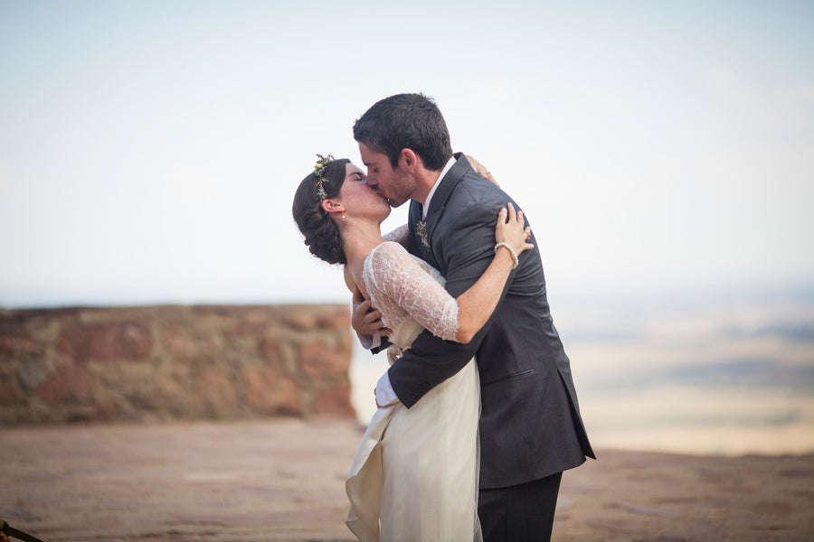 Bride and Groom Kiss Ceremony| Colorado Wedding  | Katie Keighin Photography