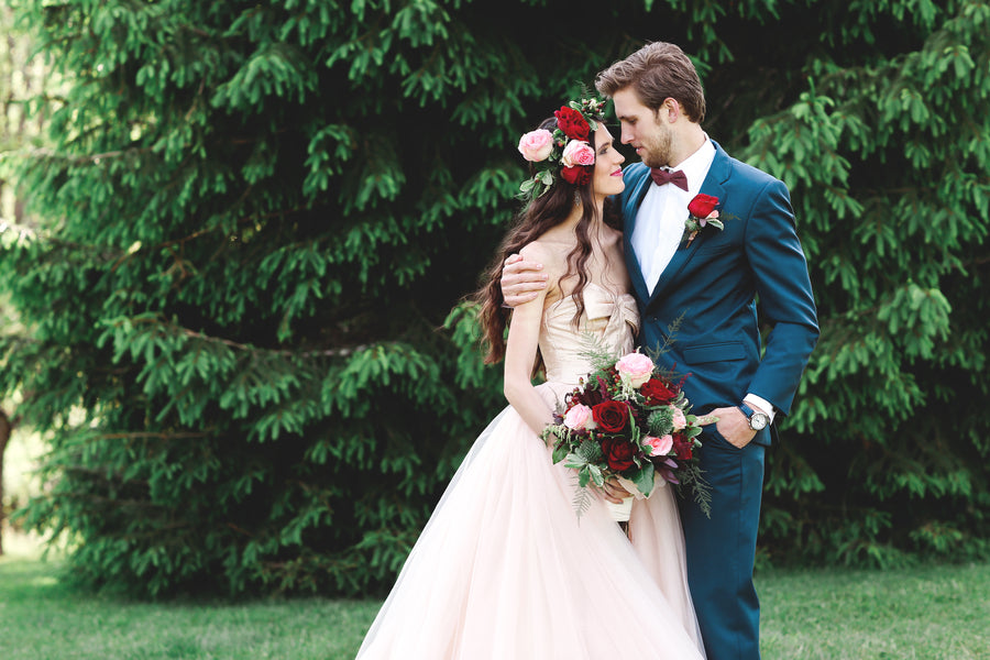 Bride and Groom | Jasmine White Photography | A Fashion-Forward Floral Wedding