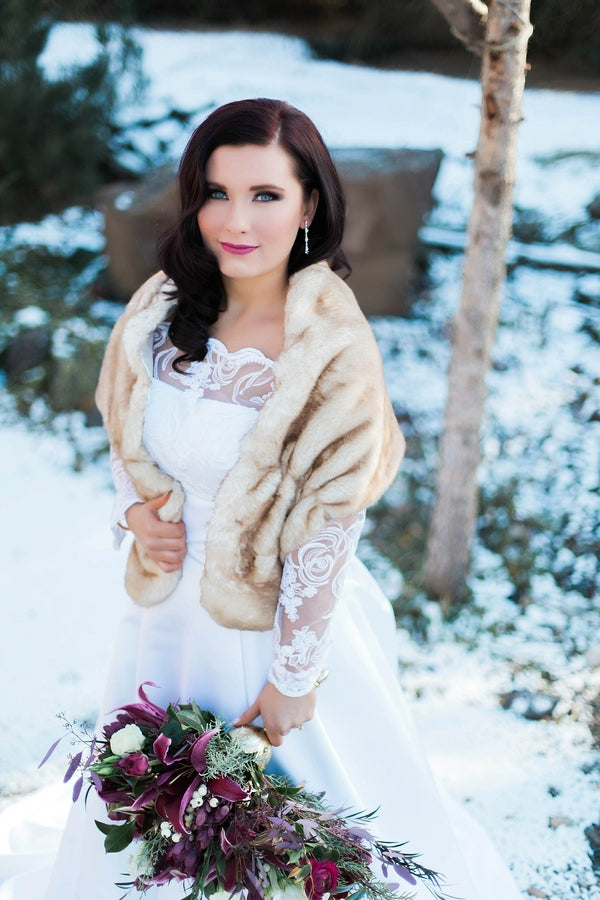 Bride in Lace Gown and Fur Shawl | Ravishing Red Winter Wedding | Soft Elegance Photography