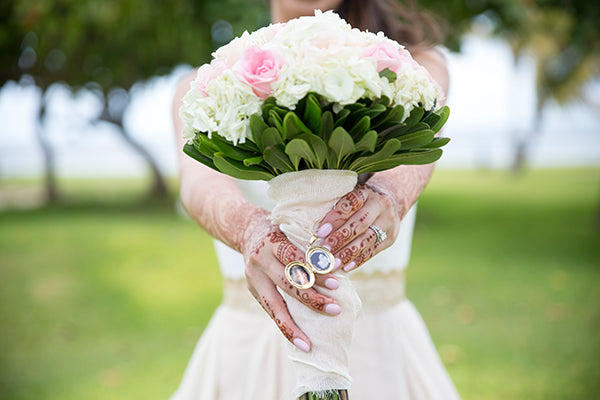 Bride's Blush and White Bouquet | A Mexican Indian Fusion Wedding | Adrienne Fletcher Photography | @kateaspen