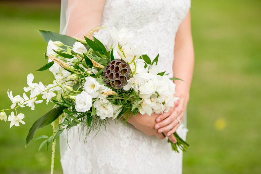 Bride's White Bouquet | Elegant Barn Wedding | Jeannine Marie Photography