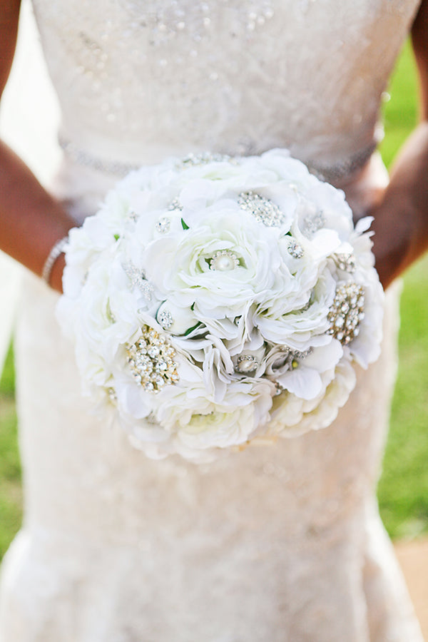 Beautiful White Bouquet | Wes Roberts Photography
