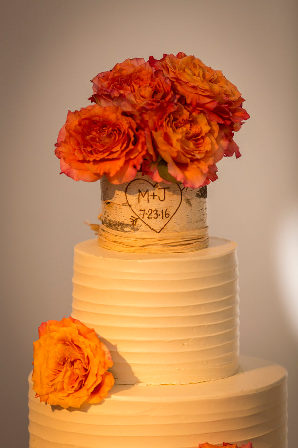 Cake | An Astounding Amber Wedding | Kate Aspen