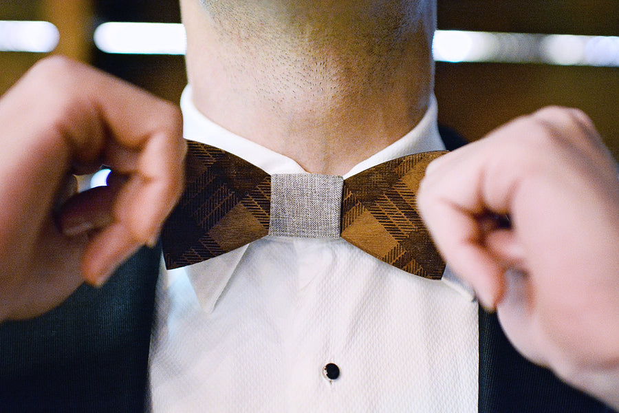 Groom's wooden bow tie | Catrina Earls Photography