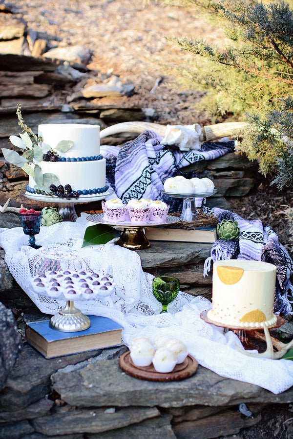 Bohemian wedding cake display | Catrina Earls Photography
