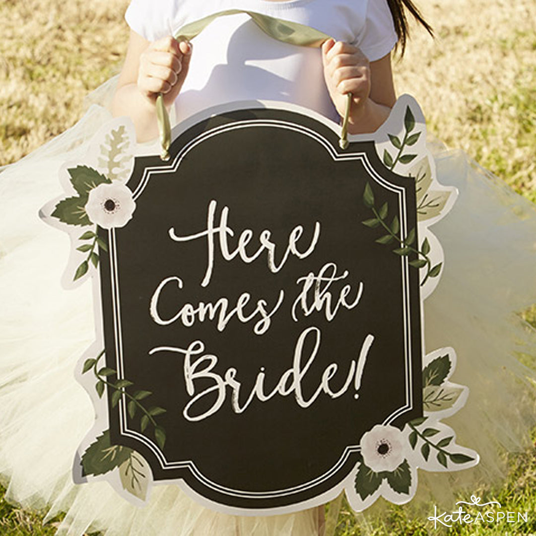 Chalk Here Comes The Bride Sign | Kate Aspen