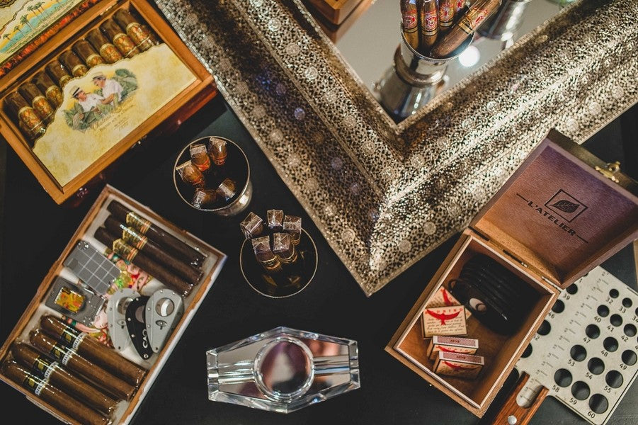 Amazing Cigar Bar | Art Deco Wedding Inspiration | Edward Lai Photography