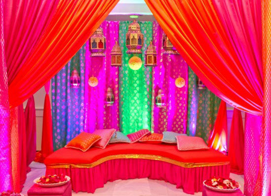 Mehndi Stage | Jashim Jalal Photography via Maharani Weddings