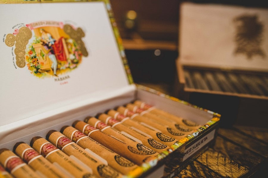 Cuban Cigars at Cigar Bar | Art Deco Wedding Inspiration | Edward Lai Photography