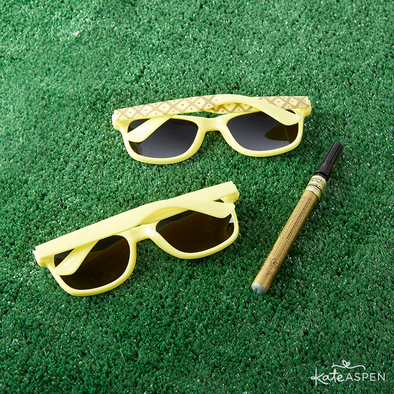Pineapple Sunglasses DIY  | @kateaspen | KateAspen.com