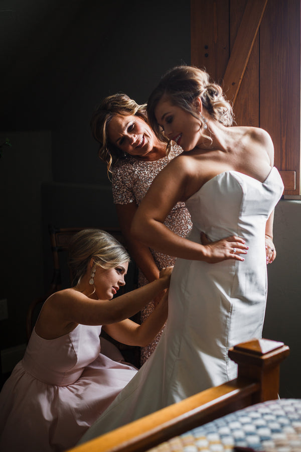 Bride Getting Ready | A Snowy Spring Wedding | Kate Aspen