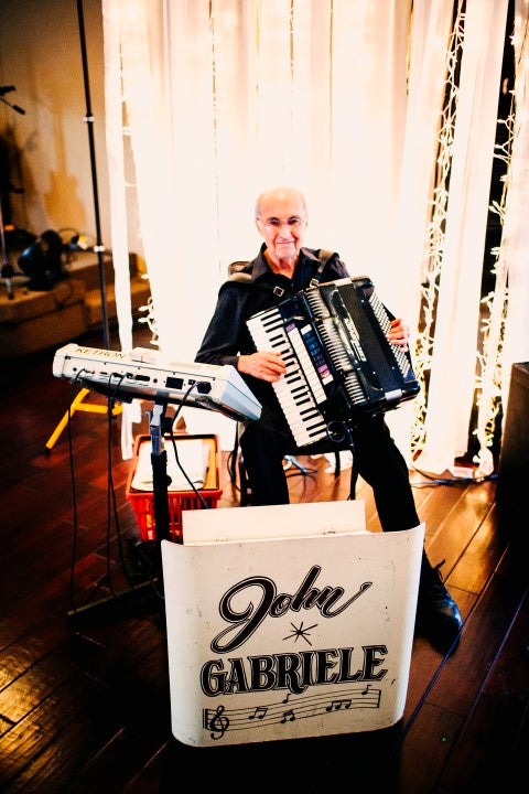 Accordion player at wedding reception | Derk's Works Photography