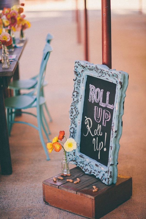 Shabby chic chalkboard sign | Photograhpy: Prue Franzmann Photography | Styling: Enchanted Empire