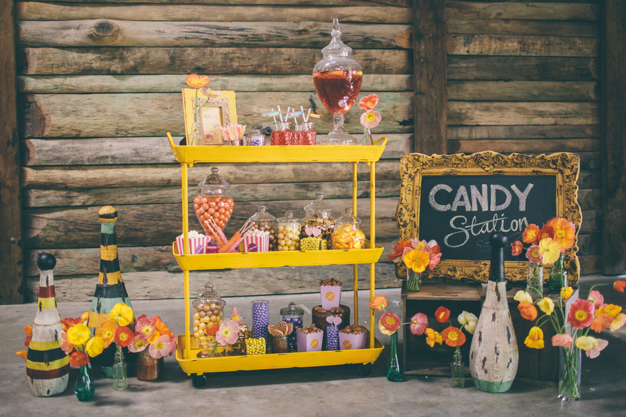 A vintage candy bar | Photograhpy: Prue Franzmann Photography | Styling: Enchanted Empire