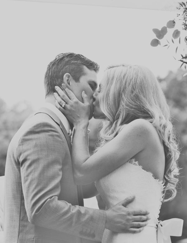 Bride and Groom Kiss | Laura Dee Photography