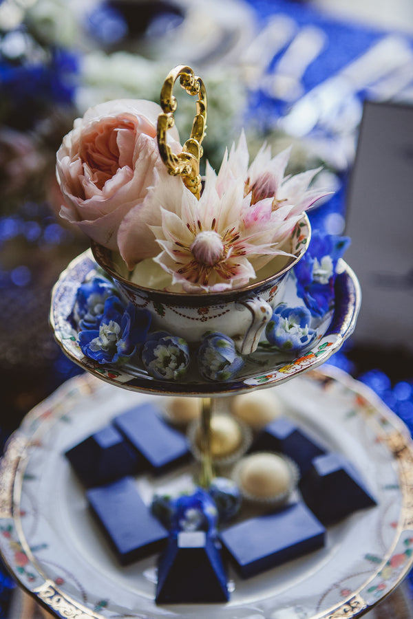 Vintage Cake Stand | Ten·2·Ten Photography | 5 Stylish Ideas for a Teacup Wedding | Kate Aspen