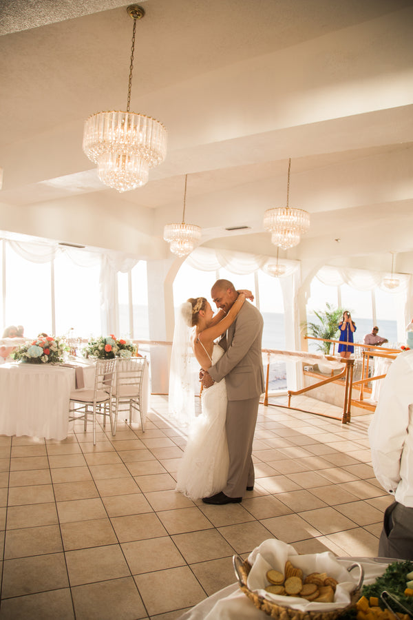 First Dance | Kennedy Grace Photography | Tips for the Perfect Beach Wedding | Kate Aspen