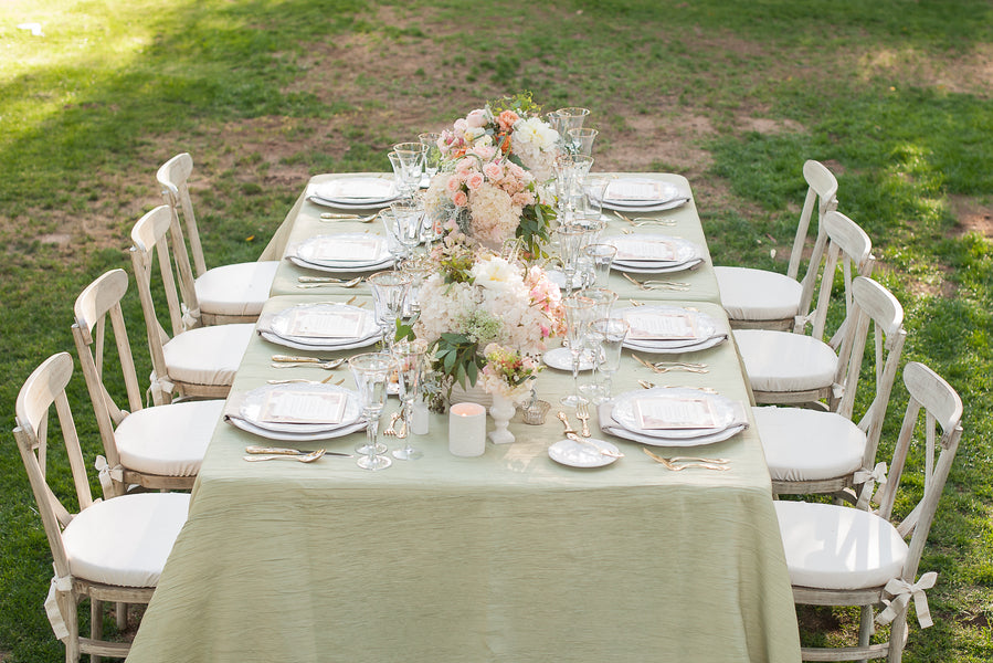 English Garden Inspired Table Decor  | Gorgeous Garden Wedding Shoot | Leslie Ann Photography | @kateaspen