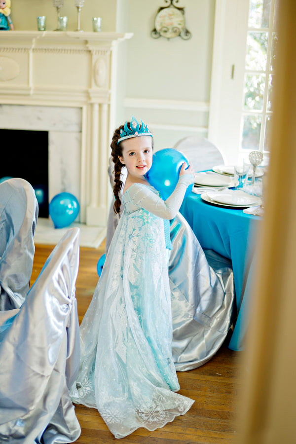 Birthday Girl for a Frozen Party - Andie Freeman Photography