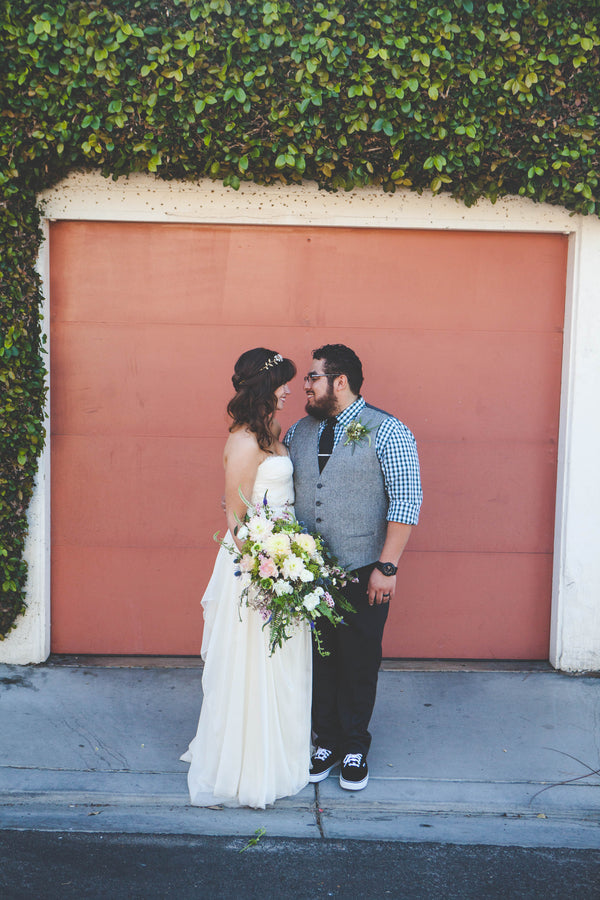 Cute and Causal Bride and Groom | Jessica Miriam Photography