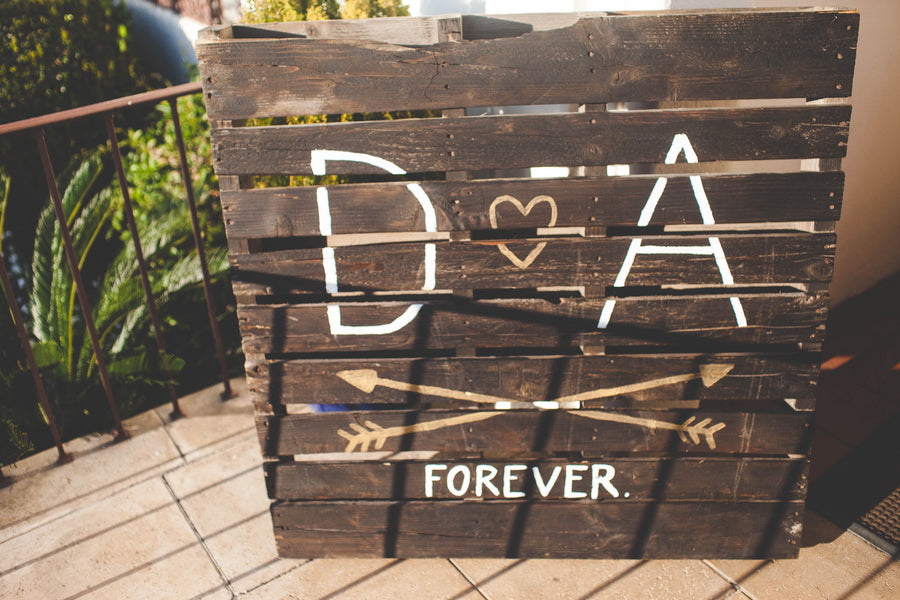 Custom Pallet Sign | Jessica Miriam Photography