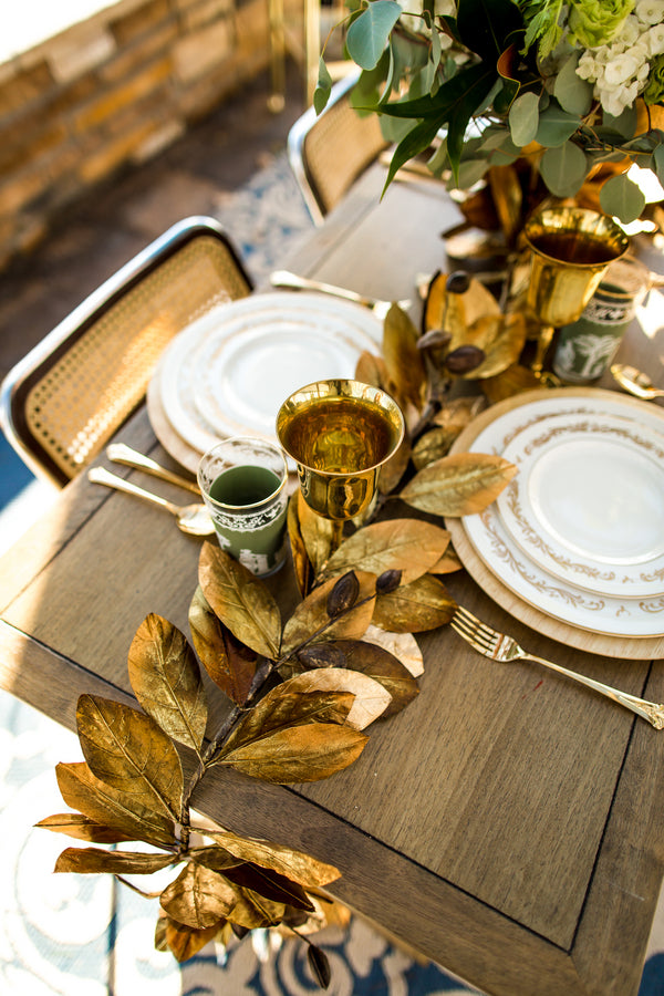 Gold Leaves Table Centerpieces | Al Fresco Vintage Wedding Shoot | Aldabella Photography