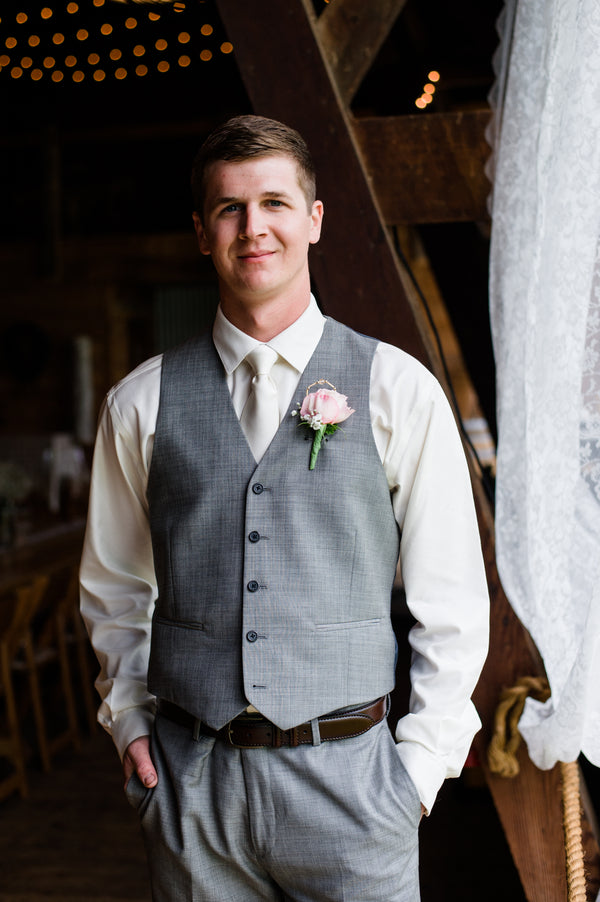 Groom  | Spring Rustic Barn Wedding | Time Into Pixels Photography